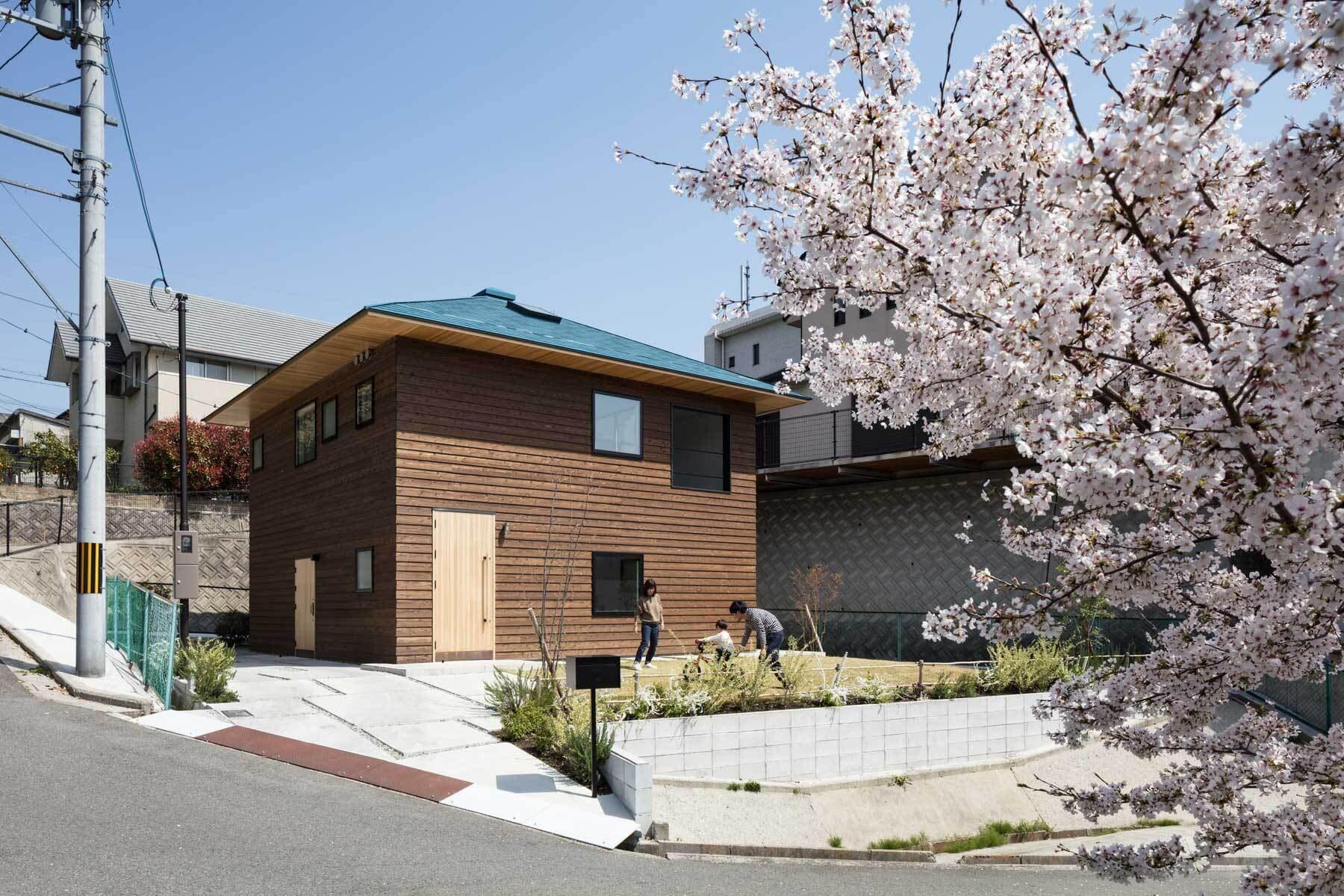 Crossroad-House-YYAA-Japan-0